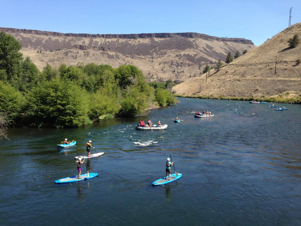 Rafts, Kayaks, and Stand Up Paddleboards on the Deschutes River